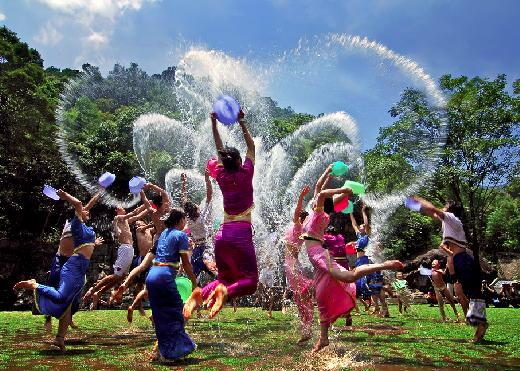 [新聞] 曼谷潑水節旅遊線路推薦