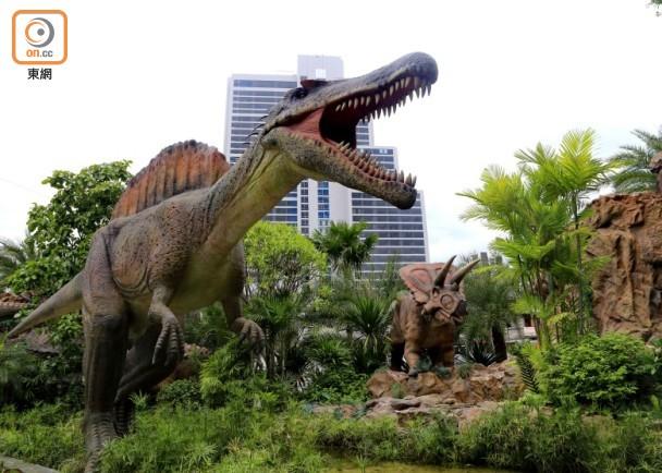[新聞] 曼谷恐龍樂園 我驚你有牙?