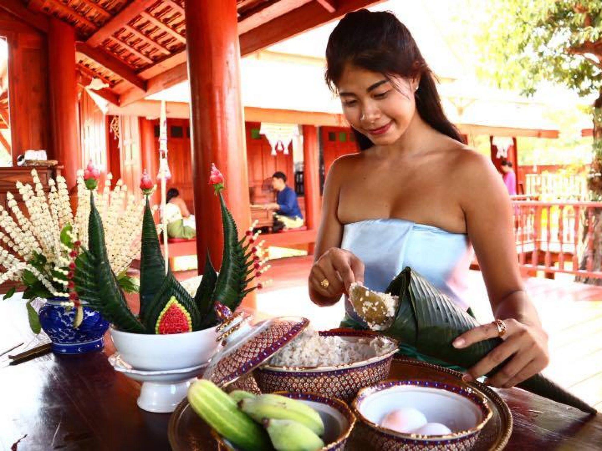[新聞] 泰國北碧府新景點Mallika R.E. 124古城 穿傳統泰式服飾回到過去